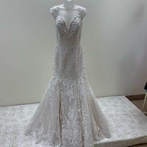 NWT David Tutera Beaded Off Shoulder Bridal Gown